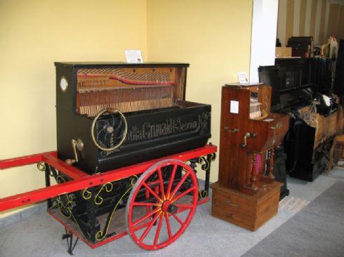 PIANO A CILINDRO DA STRADA 1920